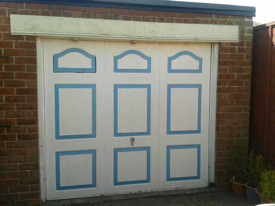 garage-door-before